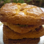 Simple & Easy Eggless Almond Cookies