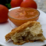 No-Knead Oatmeal Bread with Fresh Tomato Soup – A Light and Refreshing Dinner