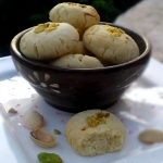 Lemony Pistachio Shortbread or Nankhatai – A Crumbly Christmas Cookie