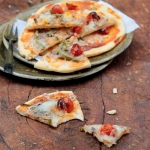 Recipe | Thin Crust, Gluten Free and Wholewheat Pizzas Base with A Crunchy Cilantro Pesto