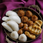 Recipe & Food Styling | Steamed rice dumplings aka Kozhukattai – Happiness is a choice that requires effort at times
