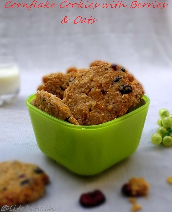 Berry-berry healthy cornflakes and oats cookies