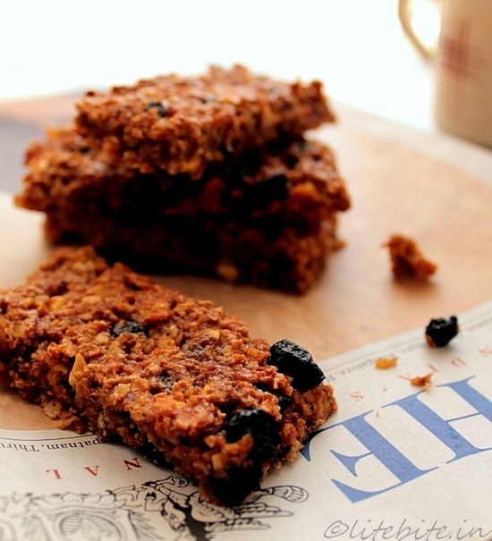 healthy fruit and nuts granola bars