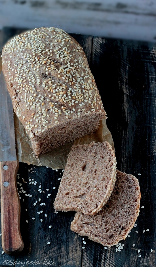 finger millet bread and oatmeal slices